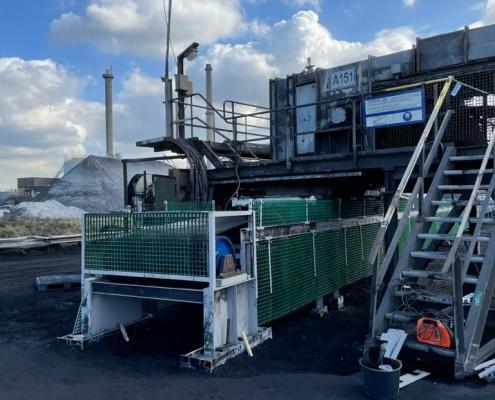 Replacement conveyor belt in IJmuiden